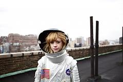 本日より、CMで話題沸騰中、NYの宅録女子Computer Magic「Running」、iTunes着信音販売開始!!