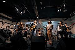 吉田ヨウヘイgroupがこれまでのバンドの歩みを語る、松永良平による濃厚インタビューが掲載、そして大成功に終わった渋谷CLUB QUATTROワンマンライヴよりライヴ映像も公開!