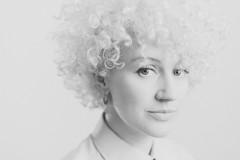 UKが生んだ破格の才女シンガー・ソングライター、Fiona Bevan!本日発売の日本デビュー・アルバムから、最新MVが到着!