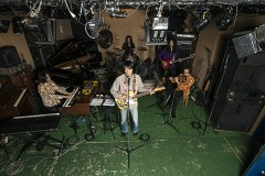 馬頭將噐(ex Ghost)率いる全てが別次元のサイケデリックバンド、ザ・サイレンスのデビューアルバム、3.18日本先行発売!