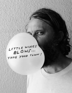 来日直前!最新作リリース直前!のリトル・ウィングス(Little Wings)のインタビューがモンチコンに掲載されました!ジャパンツアーは5/22(金)から!