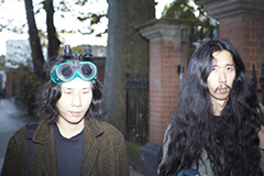 Koichi(Grimm Grimm)×Kohhei(Bo Ningen)のKK晩酌対談が公開!ロンドン在住の日本人ミュージシャン、その盟友同士が語る思いと音楽事情
