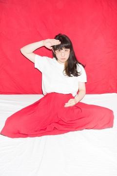 柴田聡子が3rdアルバム「柴田聡子」のアナログ化と初めての詩集の刊行を記念して半年ぶりにワンマンライブを開催!