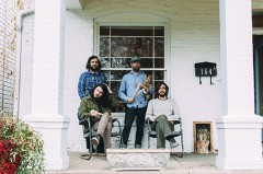 稀代のシンガー・ソングライター、ボニー・プリンス・ビリー、3月にコラボ作をリリースしたサイケデリック/アンビエント・バンド、ビッチン・バハスと共に実に12ぶりの来日!