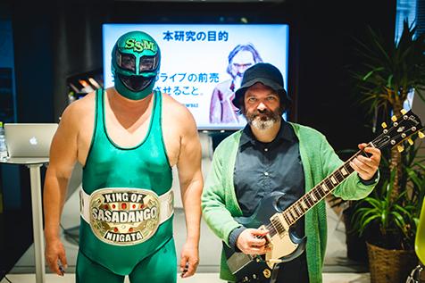 大人気プロレス団体DDTプロレスリングのドキュメンタリー第2弾映画『俺たち文化系プロレスDDT』の映画音楽をジム・オルークが制作。東京国際映画祭レッドカーペットにも登場します。第29回東京国際映画祭公式出品決定!&本予告映像も完成!!