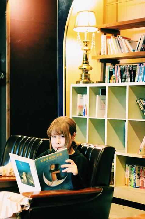 別格の才能登場。恋の物語を紡ぐ新世代を代表する女性シンガーソングライター<さとうもか>。入江陽プロデュースによるフルアルバム『Lukewarm』をリリース!鶴岡龍(LUVRAW)ゲスト参加!<新世代のユーミン><女性版キセル>の声!!