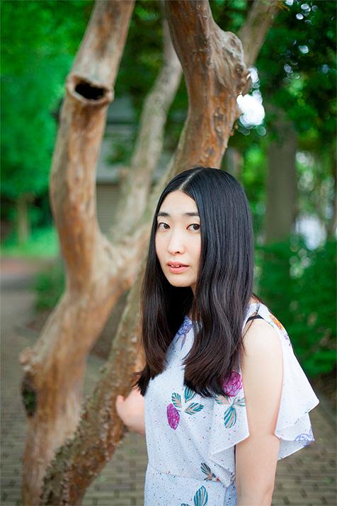当代きってのシンガー・ソングライター、寺尾紗穂の7thアルバム『楕円の夢』(2015年)と8thアルバム『たよりないもののために』(2017年)を待望のLP化!