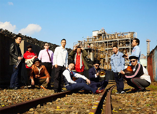 ストリート発、ハード・サルサ~ラテン・ミュージックの新たな道を切り開くBANDERAS待望のファースト・フル・アルバム!