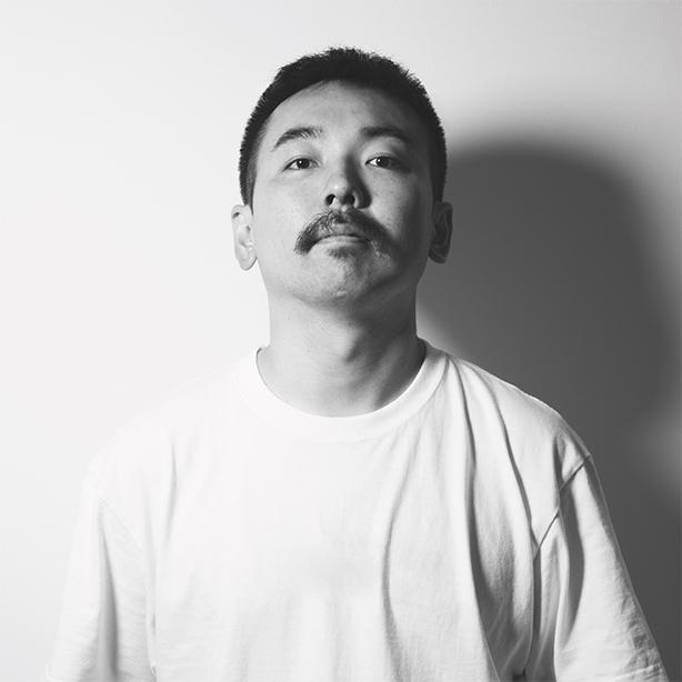 CreativeDrugStoreの奇才ビートメイカー、dooooの主催のイベント「耳破壊2」が開催。ちまたで話題な人肉MPC Tシャツの販売も。