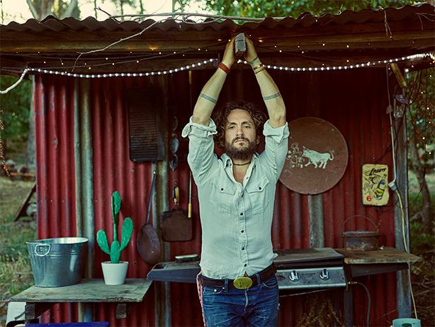 ジョン・バトラー・トリオ、世界待望の4年ぶりニュー・アルバム『HOME』が9月28日にリリース決定!先行シングル「Home」のリリックビデオが本日公開&デジタル配信もスタート!