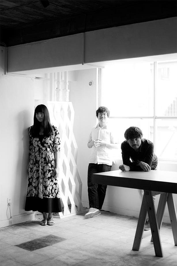 寺尾紗穂、伊賀航、あだち麗三郎によるトリオ・バンド、冬にわかれて。待望のファースト・アルバム!ヴァラエティに富みつつも一冊の詩集のような余韻を残す、滋味深い名盤が誕生!
