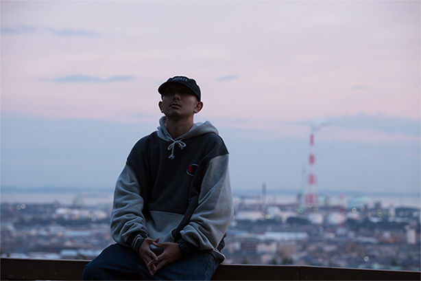 NEO TOKAIを代表するラッパー、YUKSTA-ILLのRC SLUMからの待望のニュー・アルバムがリリース決定!シーンで活躍する多彩なプロデューサー陣が1曲入魂で参加!