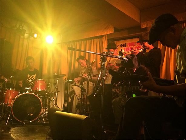 真にエモーショナルな唯一無二のインストゥルメンタルを奏でるバンド、GROUPが15年ぶりとなる待望のニュー・アルバムをリリース!曽我部恵一らからコメントも到着!