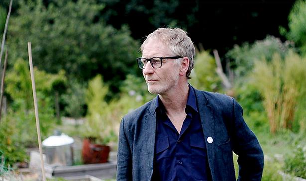 イギリスの桃源郷ポップ楽団ハイ・ラマズ(The High Llamas)の中心人物、ショーン・オヘイガン(Sean O'Hagan)、じつに約30年ぶりのセカンド・ソロ・アルバム、10/23日本先行発売!