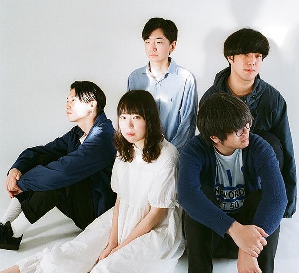 12/4(水)にデビューアルバム「Blue Peter」をリリースしたばかりのエイプリルブルーが来年2月に東京・大阪でツアーを企画、対バンにステレオガールやLaura day romanceも!