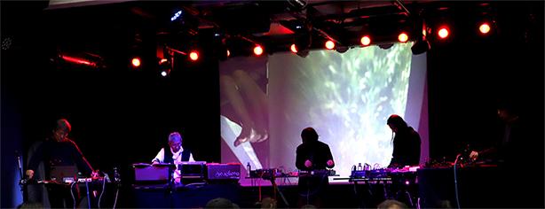 伝説的な音響デザイナー、大野松雄と、エクスペリメンタル・ユニット、3RENSA (Merzbow、duenn、Nyantora)による公開ライヴ・レコーディングをパッケージ化!