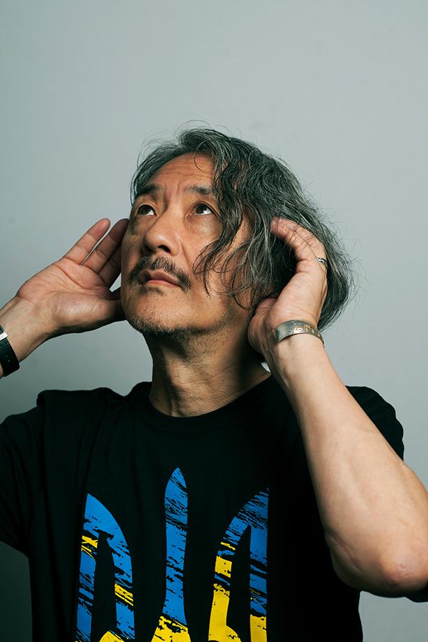 日本を代表する作曲家、井上鑑が1984年に発表した『カルサヴィーナ』を自らの語りと演奏で振り返る貴重なプライヴェート・セッション映像がオンライン配信開始!