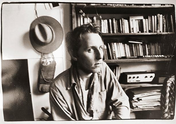 スラップ・ハッピーの創設者であり、ヘンリー・カウでも活動したアンソニー・ムーアが1976年にヴァージンから発表する予定だったお蔵入りアルバムを、ヒプノシスのデザインによるオリジナル・ジャケット仕様で奇跡の再発!日本独自CD、11/18発売!