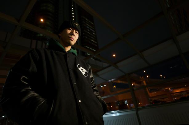 DOGEAR RECORDSの中心的存在MONJUやSICK TEAMのメンバーであり、常に音楽をアップデートし続ける感覚とスキルを持つラッパーISSUGI!昨年12月にリリースしたミュージシャンとのセッションを取り入れた『GEMZ』を自身のビートメーカー/DJ名義、16FLIPとして新たにリミックス!