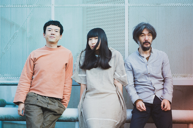 寺尾紗穂、伊賀航、あだち麗三郎からなるバンド、冬にわかれて。2年半ぶりとなる待望の2ndアルバム『タンデム』が完成。4/14、CD&LP同時発売!さらに1stアルバム『なんにもいらない』のLPも同時発売!