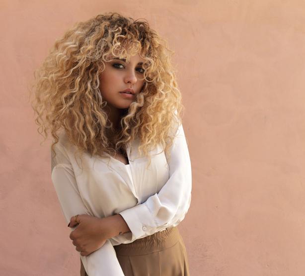 INCOGNITOのBLUEYが見初めた逸材!イタリア出身の女性シンガーROBERTA GENTILEによる待望のデビュー・アルバム『Bring It On』がリリース! アルバムのトレイラー映像も公開!