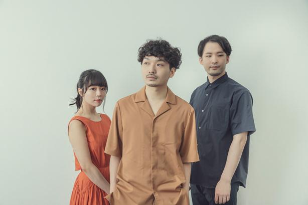 Spotify「RADAR:Early Noise 2021」への選出などで大きな注目を集めている3人組音楽グループ、macicoが2nd EP『eye』(仮)をCDリリース!