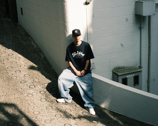 DJ SHOEのコラボによるミックスアルバム『Both Banks』をリリースしたISSUGIの最新インタビューがsublyricsに公開!またISSUGIとDJ SHOEによる10 Hot Songsプレイリストも合わせて公開!