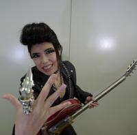マダムギター長見順が新作『ギターマダム』をひっさげて全国各地を周ります!
