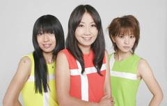 少年ナイフ、「SPACE bootleg Xmas TOUR 2009」大阪公演のゲストがサニーデイ・サービスに決定!