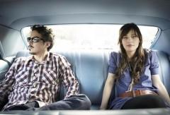 大絶賛公開中の映画『(500)日のサマー』主演ズーイー・デシャネルとM・ウォードによるデュオ、She & Himの新曲PVが遂に公開!