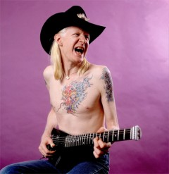 100万$のギタリスト ジョニー・ウィンター、遂に、奇跡の来日公演決定!