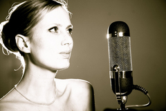 iTunesを中心に人気爆発した女性ジャズヴォーカル「ルース・ヨンカー」の名盤がiTunesにて期間限定スペシャルプライスで登場!現在ジャズチャート・シングル/アルバムとも1位に再浮上なう!!
