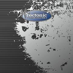 GOTH-TRADも新曲を提供したTectonicレーベルの新作コンピは4/4発売!来週来日公演を行うTectonicのPinchによるスペシャルミックスが明日のBLOCK FMにて放送!!