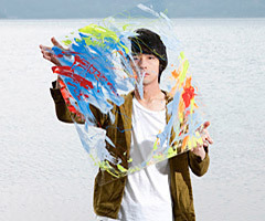 """トクマルシューゴ、人気ファッションブランド FRAPBOIS(フラボア) """"2013 Spring/Summer COLLECTION"""" とのコラボレーションによるオリジナル商品が今春4月発売決定!"""